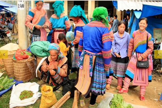 Bac Ha Market in Hanoi Sapa Tour