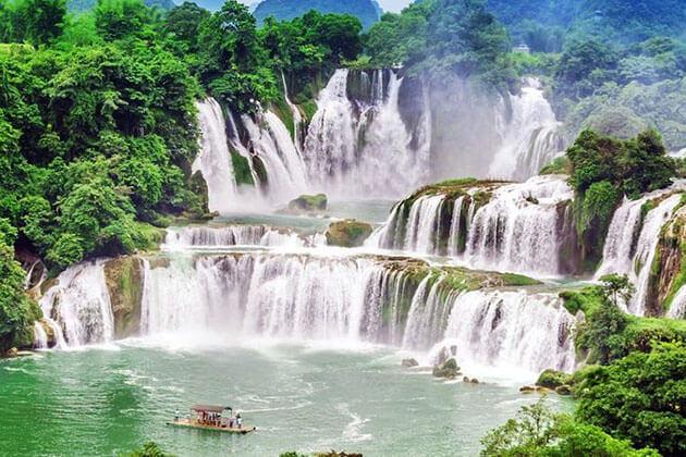 Ban Gioc Waterfall in Hanoi 4 Day tour itinerary