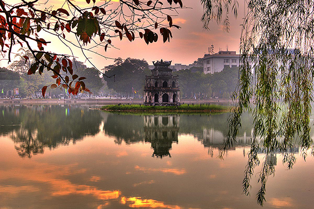 Best time to travel to Hanoi