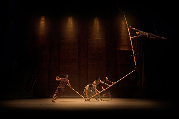 Breathtaking Contemporary Cirque Performance - Hanoi Shows