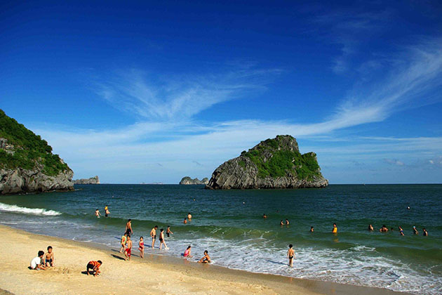 Cat Ba Island - A Glance of Vietnam