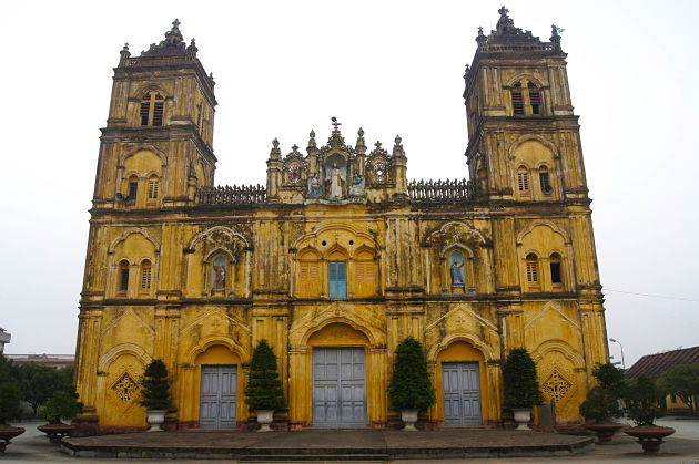 Cathedrale Bui Chu in 5 Day Tour itineraries