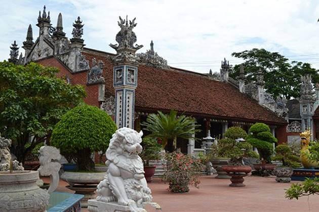 Communal Temple in Dong Ngac Village