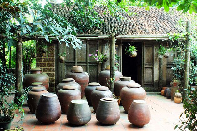 Duong Lam Ancient Village tour from hanoi
