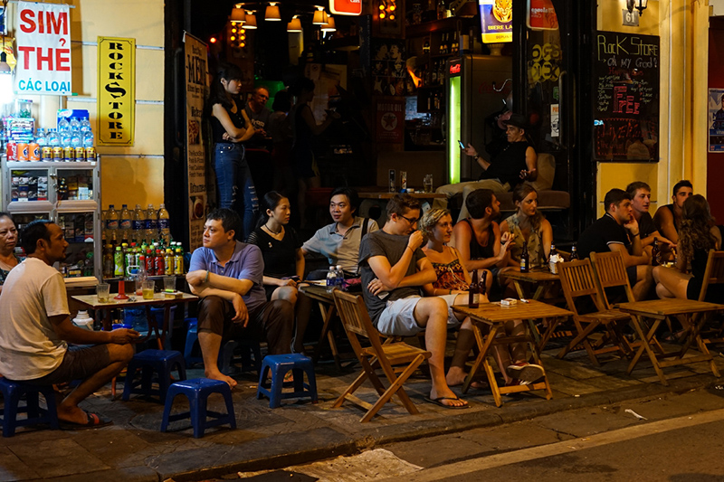 Explore Ta Hien Beer Street in Hanoi