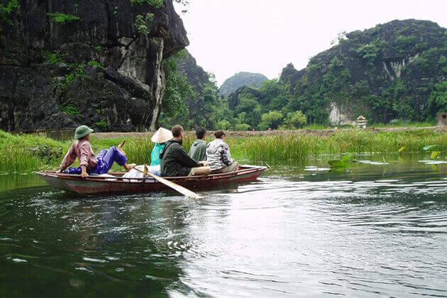 Explore Tam Coc Ninh Binh by Sampan