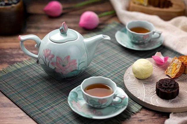 Gentle Afternoon Tea with Locals tours in hanoi vietnam