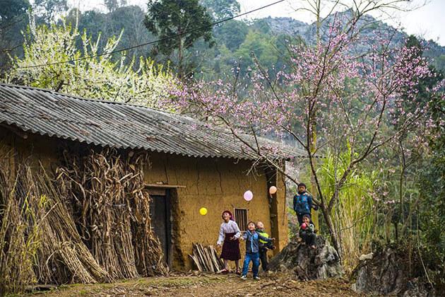 explore Ha Giang hanoi tour package