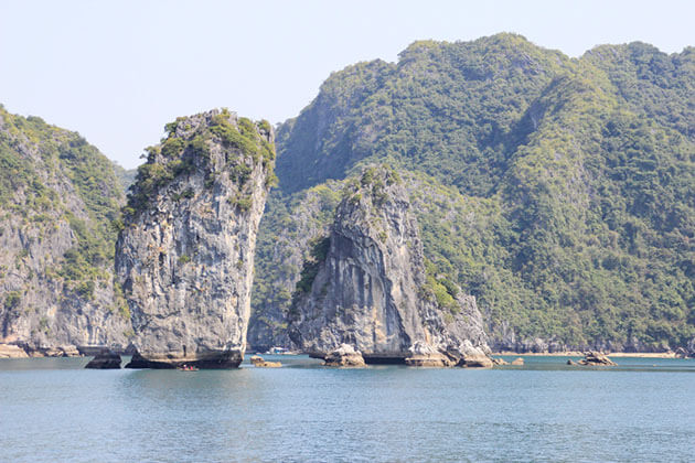 Majestic Halong Bay Tour in North Vietnam