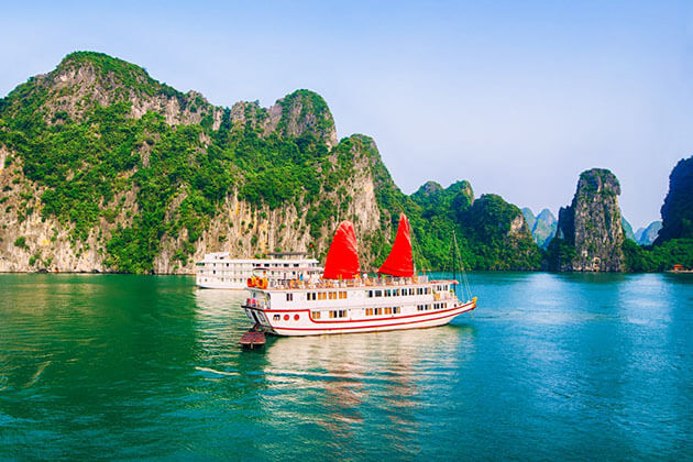 Halong Bay Tour in Vietnam