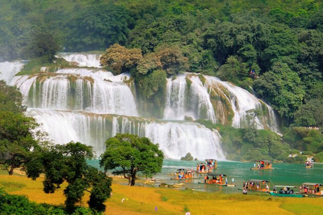 Hanoi Ban Gioc Waterfall tour in Vietnam