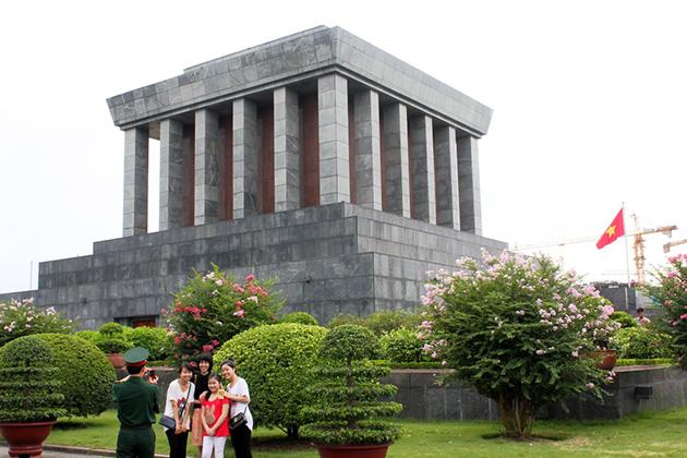 Ho Chi Minh Mausoleum - Ho Chi Minh Complex