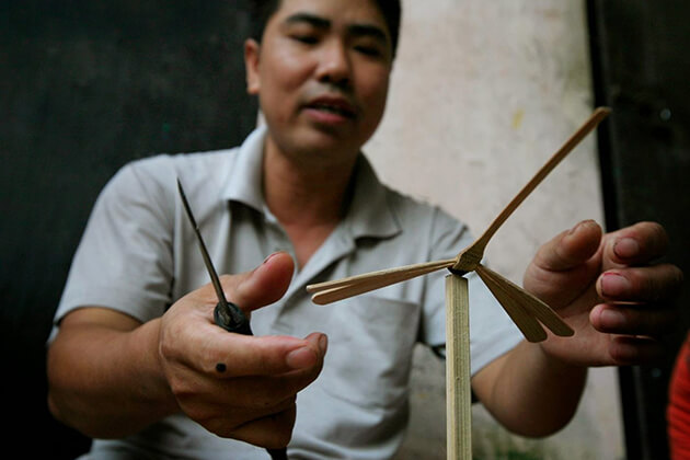 How to Make Bamboo Dragonfly
