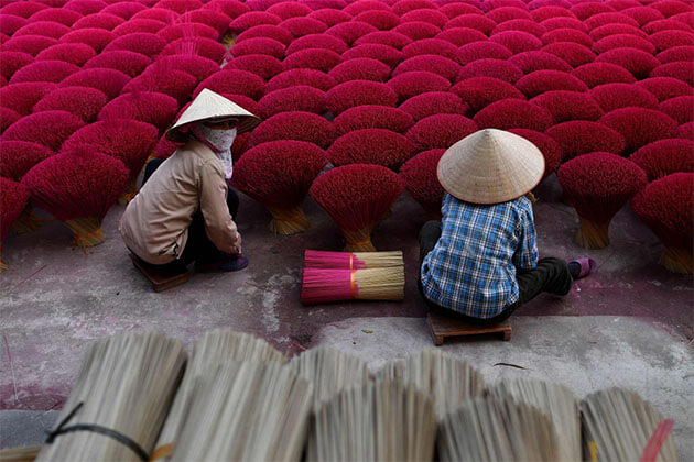 Incense Village in Hanoi Tour