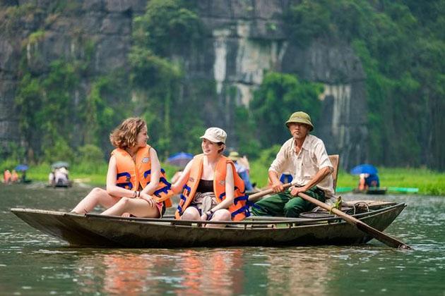 Trang An Bai Dinh Day Tour