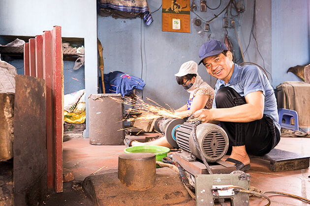 Knife Making in Da Sy Village