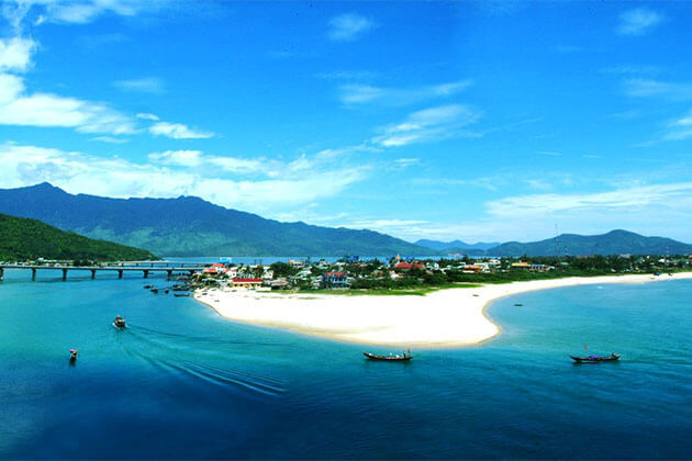 Lang Co Beach Vietnam Tour
