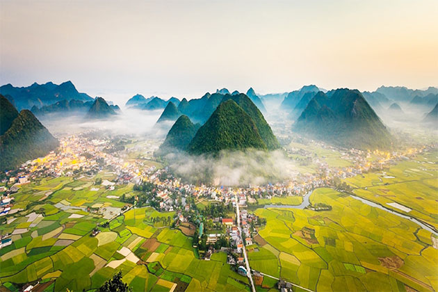 Tour in Lang Son, Vietnam