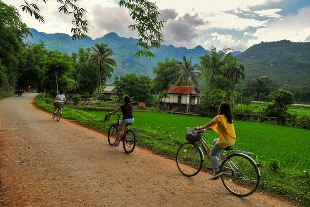 Mai Chau Bike Tour