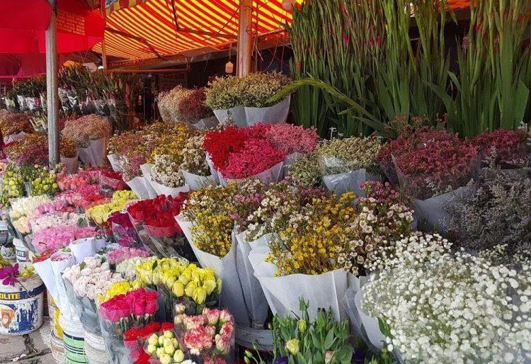 Quang Ba Market