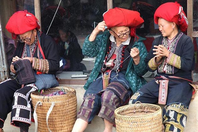 Red Dao Group in Sapa