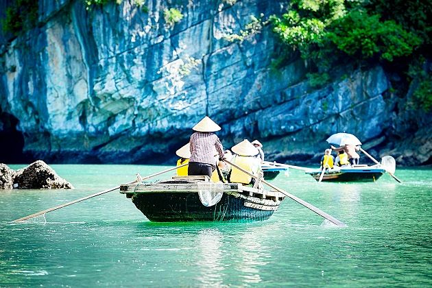 Rowing Boat in Halong Bay