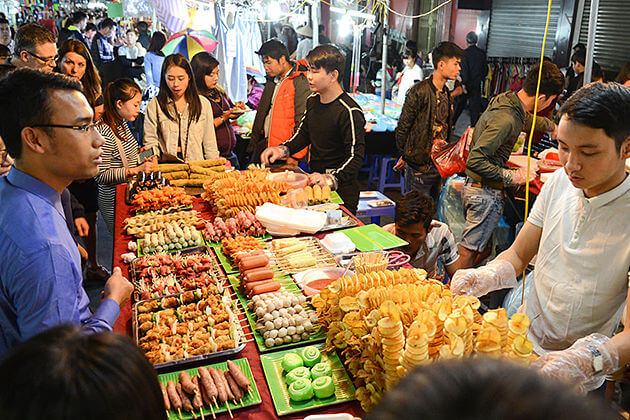 Savory Street Foods in Hanoi Walking Street