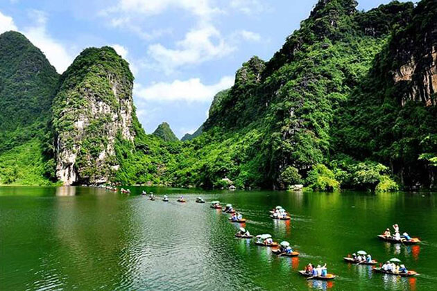 Tam Coc Ninh Binh in Vietnam Tour Package