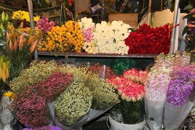 Tay Tuu Flower Market