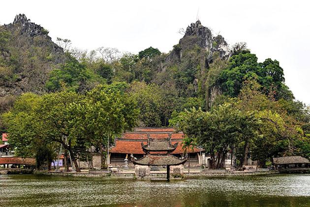 one day in Thay Pagoda Hanoi