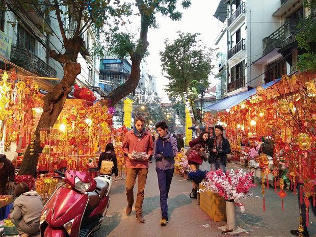hang ma street tet holiday