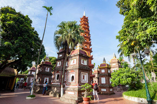 Tran Quoc Pagoda Opening Hours & Entrance Fee