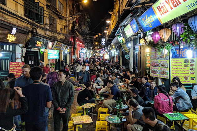 Travel Guide in Ta Hien Beer Street