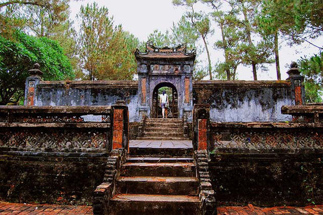 Tu Duc Tomb in Hue hanoi vietnam tour package