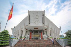 ho chi minh mausoleum hanoi local tour