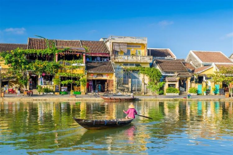 hoi an ancient town vietnam local tour