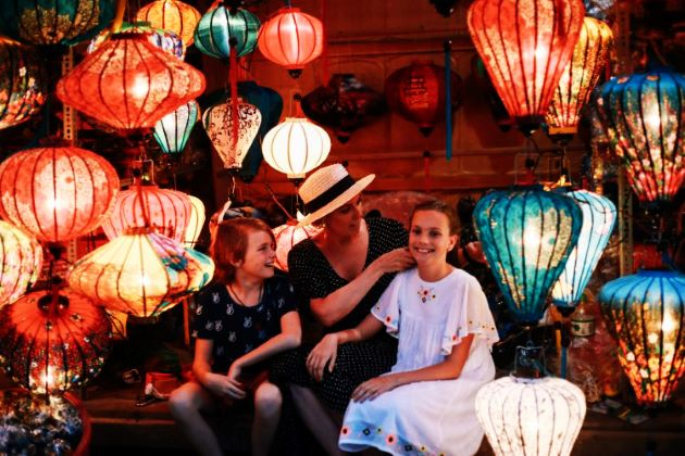hoi an colorful lanterns