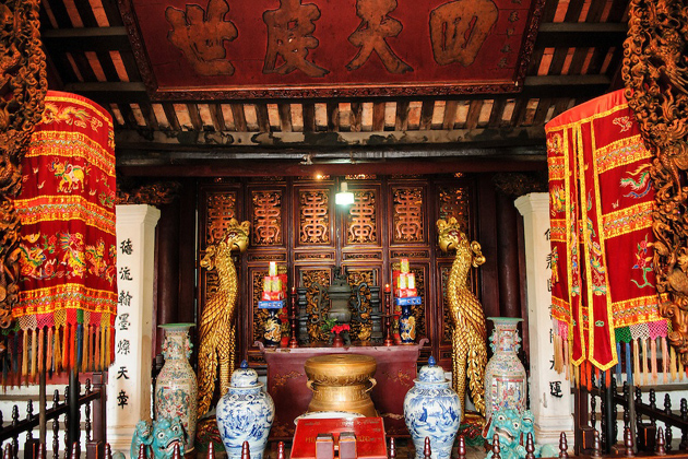 inside Ngoc Son Temple