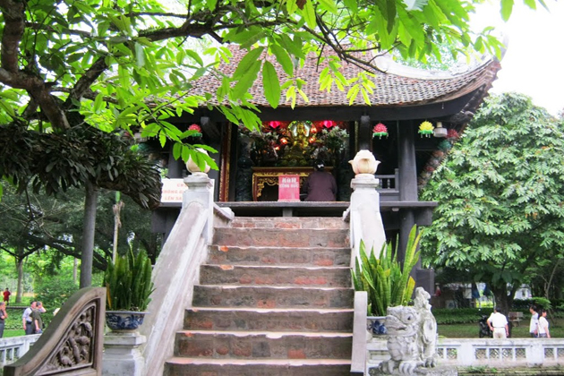 inside one-pillar pagoda