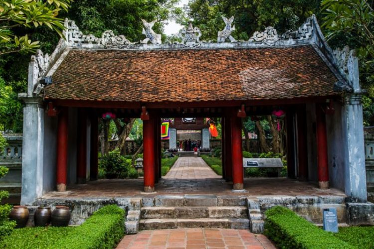 temple of literature in hanoi holiday packages