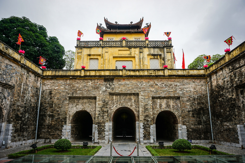 thang long imperial city hanoi local tour